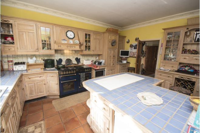 7 bedroom country house - RG5 4SY
