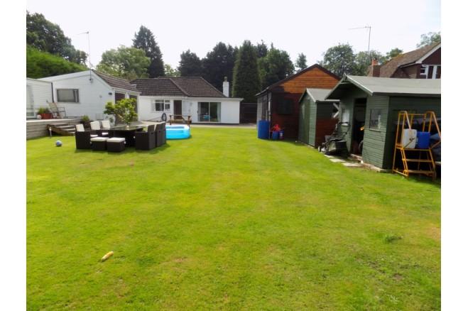 3 bedroom detached bungalow