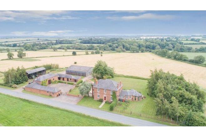 4 bedroom farm house Stapleford Road, Melton Mowbray, LE14 2XQ