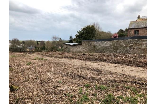 land (residential)- Slapton