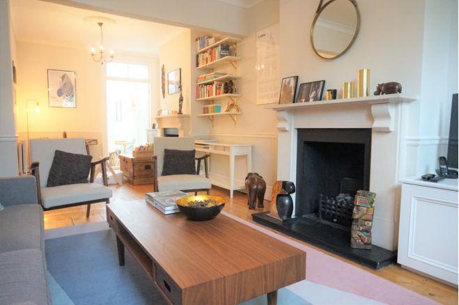 4 bedroom terraced house -  SW19 1JG